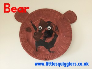 To really make it cow like give them an oval of pink paper and a black felt tip to add nostrils and a mouth and glue on the front of the plate. & 8 Simple Paper Plate Crafts For Toddlers \u2013 Little Squigglers